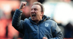 "Neil Warnock: ""I don't want a minute's silence when I die. I'd like a full minute of chanting ""Warnock is a w*nker.""   Absolute legend! 😂 https://t.co/dcAohlgKFN: Neil Warnock: ""I don't want a minute's silence when I die. I'd like a full minute of chanting ""Warnock is a w*nker.""   Absolute legend! 😂 https://t.co/dcAohlgKFN"