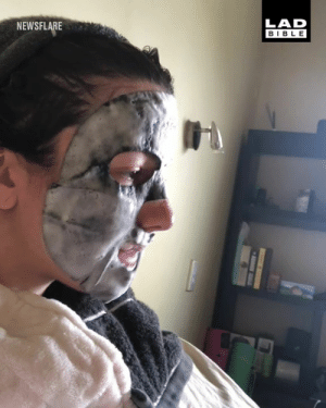 'My dog just can't handle my face mask' 😂: NEWSFLARE  LAD  BIBLE 'My dog just can't handle my face mask' 😂