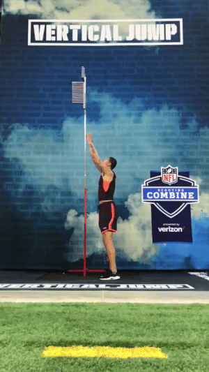 "Memes, Nfl, and 🤖: NFL  COMBINE 6-foot-7, 250 pounds.  @UBFootball QB Tyree Jackson's 34.5"" vertical jump at the #NFLCombine. https://t.co/jHOgKRbzIf"