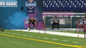 Memes, Nfl, and Verizon: NFL  RD DASH!  SCOUTING  COMBINE  2019  presented by  verizon  URE .@dkmetcalf14's first 40-yard dash attempt: 4.33 (unofficial)  #NFLCombine | @OleMissFB https://t.co/sw7XPDzbJv
