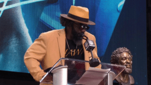 """Stay encouraged. Encourage each other. Help somebody.""  You need to hear @TwentyER's powerful final message. #PFHOF19 https://t.co/Sz2fNq8iF5: NFLN ""Stay encouraged. Encourage each other. Help somebody.""  You need to hear @TwentyER's powerful final message. #PFHOF19 https://t.co/Sz2fNq8iF5"