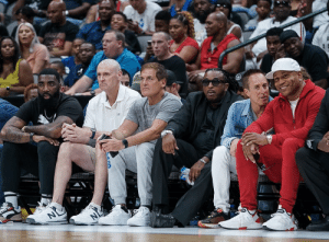 God Shammgod, Rick Carlisle, Mark Cuban, @LLCoolJ & over 17,000 fans checking out the BIG3 in Dallas!  9 NBA teams average less than 17,000 attendees.   📷 @themichaellark https://t.co/Nm6aqYP8OA: NL  N God Shammgod, Rick Carlisle, Mark Cuban, @LLCoolJ & over 17,000 fans checking out the BIG3 in Dallas!  9 NBA teams average less than 17,000 attendees.   📷 @themichaellark https://t.co/Nm6aqYP8OA