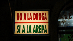 Drugs, Gif, and Tumblr: NO A LA DROGA  SI A LA AREPA illbeyourwaywardgirl:  No to drugs Yes to arepas