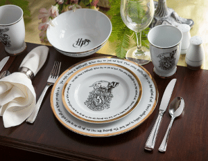 Harry Potter, Tumblr, and Blog: novelty-gift-ideas:  Harry Potter Hogwarts House 16 piece Dinner Set
