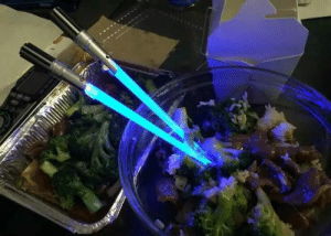 novelty-gift-ideas:  Star Wars Lightsaber Chopsticks  : novelty-gift-ideas:  Star Wars Lightsaber Chopsticks