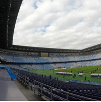 Memes, Japan, and Match: Now all that's left is the start of the event! @kashima.antlers 🇯🇵 and @officialaucklandcityfc 🇳🇿 will play in the opening match of the ClubWC tomorrow at this wonderful stadium. MundialDeClubes Japan Yokohama Football WorldCup NewZealand NavyBlues OpeningGame