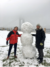 Butt, Head, and Memes: Now V and I did NOT build this snowman, some local youths did. But we did help them lift the torso onto the butt and the head onto the torso. https://t.co/7ZSPNmd0Xe