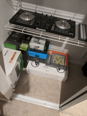 Was someone posting empty boxes earlier?: Nu  rk  SAS  it  serato  GAIK  Numark  avaian  XBOXONE  A  XBOX GAME PASS  msi  XBOXLIME GOLD  P SESSA P AS  GFIMING  BGB GDDRG  GEFORCE  RTX  1 TB/1 To  2070  CLogitech G  G933  ARTEMIS SPEC  ANS E  aySta ta  PlayStation  SONY  hm  LAUNCHPAD E  oculus rift  Virtual Reality  Realided Virhual  Rlalite Vtuelle  wA AMo  seulas  1EEE  LAUNCHPAD  novation  XOEX  D98 X  X  IVIVIE  TB/1 To  ARM Was someone posting empty boxes earlier?