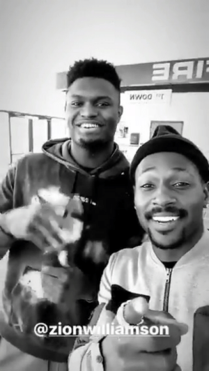 Antonio Brown with ZEON Williamson 😂 https://t.co/E2JiuFefLt: nwoo r  @zionwlliamson Antonio Brown with ZEON Williamson 😂 https://t.co/E2JiuFefLt