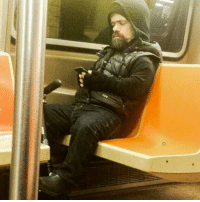 """Dank, 🤖, and Nyc: O """"Just spotted Tyrion on the NYC subway..."""""""