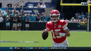 Mahomes at it again with the no-look pass 👀 https://t.co/EAPKgQ7pCT: O NFL  Lee tGp guars  0  CAR  1ST 7:42  C. NEWTON: 3/3, 29 YDS  NFL  LA  0  LACUAS Mahomes at it again with the no-look pass 👀 https://t.co/EAPKgQ7pCT