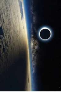 Solar Eclipse From the International Space Station.: O Solar Eclipse From the International Space Station.