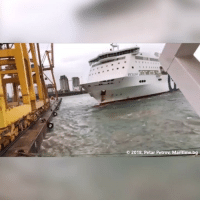 Barcelona, Que, and Maritime: O2018, Petar Petrov, Maritime.bg Grave accidente en el puerto de Barcelona que ha provocado una alerta química. Un ferry ha chocado... cabroworld barcelona By Esteban di patrola