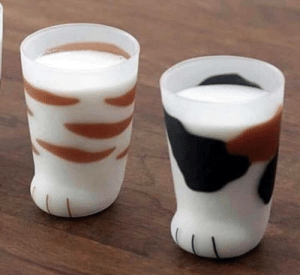 ofcoursethatsathing:These cups that look like cat paws: ofcoursethatsathing:These cups that look like cat paws