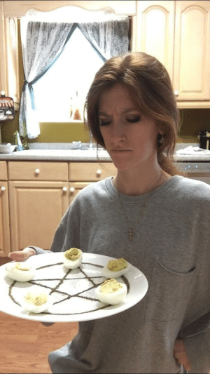 Tumblr, Blog, and Com: OFFEE darthlampman:  Deviled eggs, anyone?