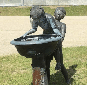 Omg, Tumblr, and Blog: omg-humor:  This fountain
