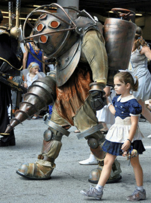 One of the best cosplays I have ever seen (Bioshock).: One of the best cosplays I have ever seen (Bioshock).