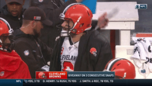 I'm not even mad, that's amazing https://t.co/IkNUvPbLSP: ONFL  LEVELAN  CLEVELAND  BROWNS  GIVEAWAY ON 3 CONSECUTIVE SNAPS  YDS, 3 TD  NFL  D. HENRY: 16 RUSH, 75 YDS  J. SMITH: 6 REC, 78 YDS, TD I'm not even mad, that's amazing https://t.co/IkNUvPbLSP