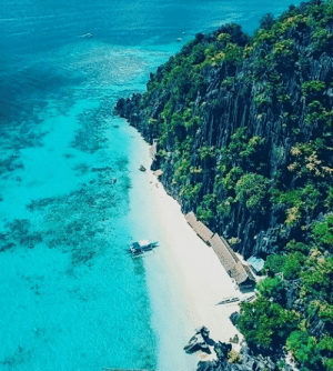 Only the shades of blue and green, as far as the eyes can see.   Who would you spend your vacation here with? 💚💙   📷 By: Mikki Tenazas: Only the shades of blue and green, as far as the eyes can see.   Who would you spend your vacation here with? 💚💙   📷 By: Mikki Tenazas