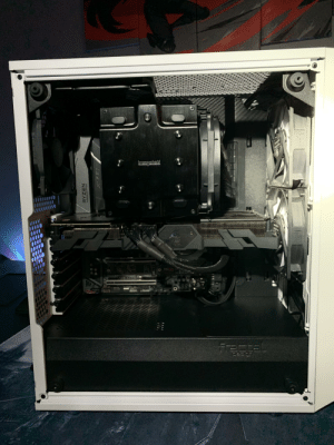 Help, Orange, and Tube: ORS TUBE  88  2ta  Пя  506X  THREADRIPPER  2ZAWN Can anybody help me out? I'm wanting to use a Gigabyte 1080ti oc (the white and orange model) mounted vertically in my Fractal meshify c case. I just think it might interfere with the dark rock pro TR4 cooler. Does anybody have any similar setups?