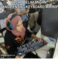 Mainkan QWERTASDF12345 :D 📷 : @ffgaming.id dagelangaming: PACARBELAKANGAN  YANG PENTING KEYBOARD MIRING  @femalefighters.id  Zulfa Mainkan QWERTASDF12345 :D 📷 : @ffgaming.id dagelangaming