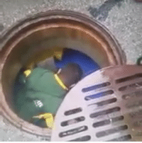 Packers fan hops in the SEWER after dropping his ticket before game vs. Cowboys. Would you do the same? (via Chris Bucher-YouTube): Packers fan hops in the SEWER after dropping his ticket before game vs. Cowboys. Would you do the same? (via Chris Bucher-YouTube)