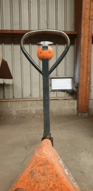 Faces-In-Things, Always, and Truck: Pallet truck always dreamed of being a ballerina https://t.co/PU5raChuCI
