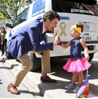 Justin Trudeau joined Toronto's Pride Parade 🏳️🌈 Canada pride tmz justintrudeau: paramedic  ORONTO  -264  7-204 E Justin Trudeau joined Toronto's Pride Parade 🏳️🌈 Canada pride tmz justintrudeau