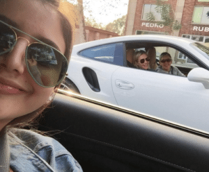 Instagram, Jealous, and Omg: PEDRO  RUB sassysinglelady:  birb-bian:  lesbianfeministwiitch:  caliiigurlll:  sitting in traffic with ellen and portia (x)  omg  honestly, I'm so jealous??   did she give you $10,000?