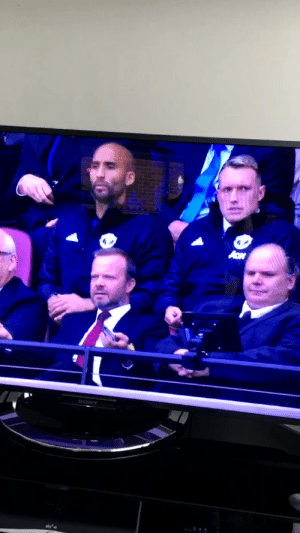 "Phil Jones: ""Sacked in the morning"" Ed Woodward: ""We're on camera, stop""  ?? https://t.co/82W0d3Sz5P: Phil Jones: ""Sacked in the morning"" Ed Woodward: ""We're on camera, stop""  ?? https://t.co/82W0d3Sz5P"