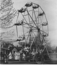 41 Ku Klux Klan members on a ferris wheel in Colorado, 1926.   America's most infamous hate group was surprisingly open and widespread during the group's peak in the 1920s. The 1924 Democratic National Convention  nearly chose a Klansman as their presidential candidate while more than 4 million people across the country were KKK members.: Photo b  Rolfe 41 Ku Klux Klan members on a ferris wheel in Colorado, 1926.   America's most infamous hate group was surprisingly open and widespread during the group's peak in the 1920s. The 1924 Democratic National Convention  nearly chose a Klansman as their presidential candidate while more than 4 million people across the country were KKK members.