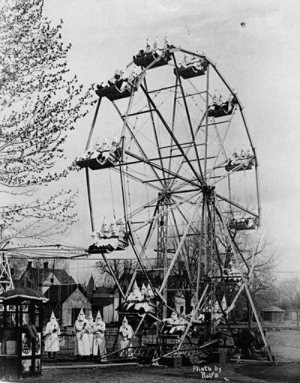 cursed_carnival: Photo by  RofE cursed_carnival