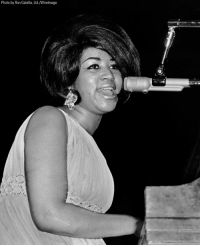 Memes, Aretha Franklin, and 🤖: Photo by Ron Galella, Ltd./Wirelmage Aretha Franklin, 1942-2018