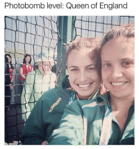 (@memezar) is fucking hilarious!: Photobomb level: Queen of England (@memezar) is fucking hilarious!