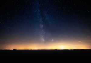 photos-of-space:  Jupiter shining just beside the Milkyway: photos-of-space:  Jupiter shining just beside the Milkyway
