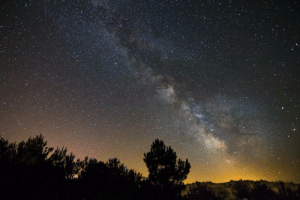 photos-of-space:  [OC] On of my first milky way shots. Taken in France at the coast of Dune du Pilat. [1920x1280]: photos-of-space:  [OC] On of my first milky way shots. Taken in France at the coast of Dune du Pilat. [1920x1280]