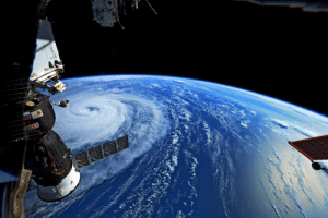 photos-of-space:  Super-typhoon Noru photographed by astronaut Randy Bresnik of Expedition 52 [1200x800]: photos-of-space:  Super-typhoon Noru photographed by astronaut Randy Bresnik of Expedition 52 [1200x800]