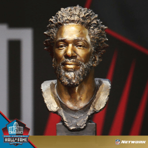This. Bust. 🙌  #PFHOF19 https://t.co/BIQWM8ECqz: PRO F OOTBALL  HALLOF FAME  NETWORLC  CANTON, OHIO This. Bust. 🙌  #PFHOF19 https://t.co/BIQWM8ECqz