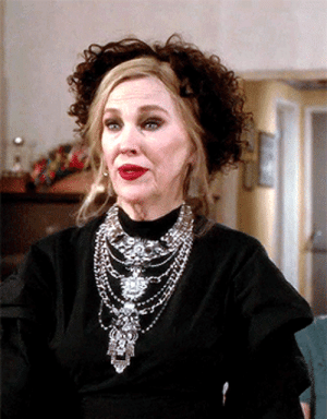 psychodelicategirl: livelaughlacroix:  blairwitchz: Catherine O'Hara wearing a glove as a headband in BEETLEJUICE (1988) || Catherine O'Hara wearing a wig as a hat in SCHITT'S CREEK (2019)  AN ICON : psychodelicategirl: livelaughlacroix:  blairwitchz: Catherine O'Hara wearing a glove as a headband in BEETLEJUICE (1988) || Catherine O'Hara wearing a wig as a hat in SCHITT'S CREEK (2019)  AN ICON