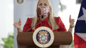 Puerto rican governor dosen't know how to use a face mask: Puerto rican governor dosen't know how to use a face mask