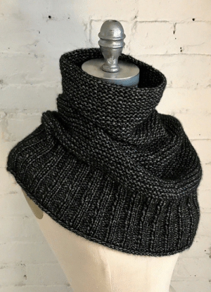Love, Ravelry, and Tumblr: purls-of-wisdom:  cablesandpurls: Free Knitting Pattern: Getting Warmer by Espace Tricot Made this cowl this winter and I absolutely love it!