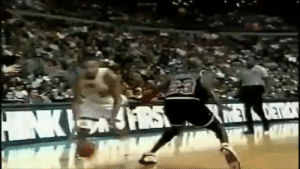 RT @Ballislife: Name a player that has broken more ankles and posterized more defenders than Grant Hill.    https://t.co/h7yhojeqc3: REDAPPLE RT @Ballislife: Name a player that has broken more ankles and posterized more defenders than Grant Hill.    https://t.co/h7yhojeqc3