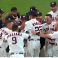 Memes, Mlb, and Wshh: REDD  9  MLB.comm The HoustonAstros with the walk off win against the NewYorkYankees taking a 2-0 lead in the ALCS! ⚾️👀 @MLB WSHH