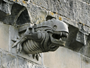 Church, Funny, and Reddit: rockxxoutxxright:  sixpenceee:  During refurbishment of Paisley Abbey, Scotland a number of the gargoyles had to be replaced. Being quite high up, it took a while to realize that the stonemasons had modeled one on the xenomorph from the Alien films. The church saw the funny side. Via Elveri. More interesting posts here: sixpenceee.com/tagged/world.   Those stonemasons are my heroes