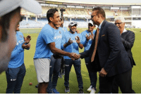 Jayant Yadav received his maiden test cap from former Indian all rounder Ravi Shastri !  Becomes 286th player to represent India in tests.: rst  Star  ar  st Jayant Yadav received his maiden test cap from former Indian all rounder Ravi Shastri !  Becomes 286th player to represent India in tests.