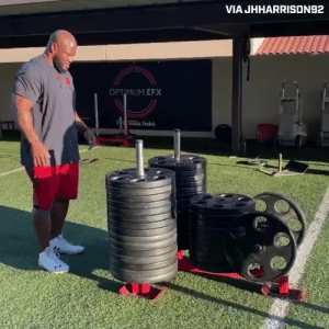 RT @AthleteSwag: 42-year-old James Harrison pushing 42 plates 😱 (via @thecheckdown) https://t.co/TnOlHyG4Uq: RT @AthleteSwag: 42-year-old James Harrison pushing 42 plates 😱 (via @thecheckdown) https://t.co/TnOlHyG4Uq