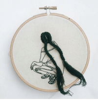 Memes, Hair, and 🤖: RT @endlessbIoom: can't stop staring at these hair embroidery hoop art 😍👏🏻💁🏼 https://t.co/DyDazcY2BK