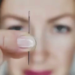RT @learnthngs: This is how to thread a needle: https://t.co/aymily839r: RT @learnthngs: This is how to thread a needle: https://t.co/aymily839r