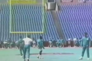 RT @NFL_Memes: Dan Marino throwing behind his back is still more accurate than Mitch Trubisky https://t.co/1pWogEjflo: RT @NFL_Memes: Dan Marino throwing behind his back is still more accurate than Mitch Trubisky https://t.co/1pWogEjflo