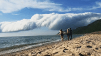 RT @TheScaryNature: Roll Cloud over Lake Michigan passing through